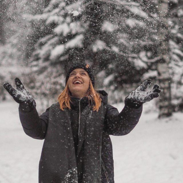 Ihanaa, kun tänä vuonna on ihan oikeasti täällä Tampereellakin talvi❄️ . . . #snow #winterishere #frosty #babyitscoldoutside #bloggerstyle #instablogitfinland #instabloggers #finlandnature #gingerhairgirl #somevaikuttajatfinland #talvi #outdoorfinland #outdoors